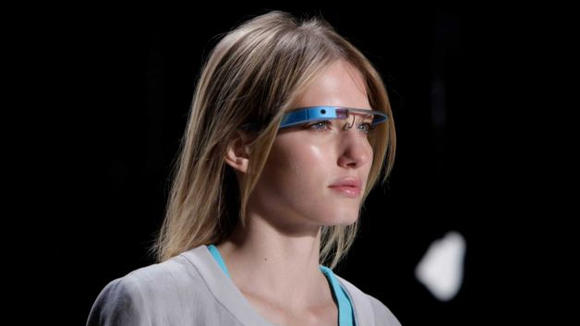 Google Glass Fashion Show Italy